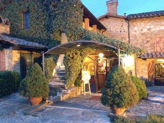 Ristorante La Taverna Del Barbarossa: Fachada do restaurante