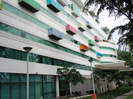 Village Hotel Changi by Far East Hospitality: Hotel Facade