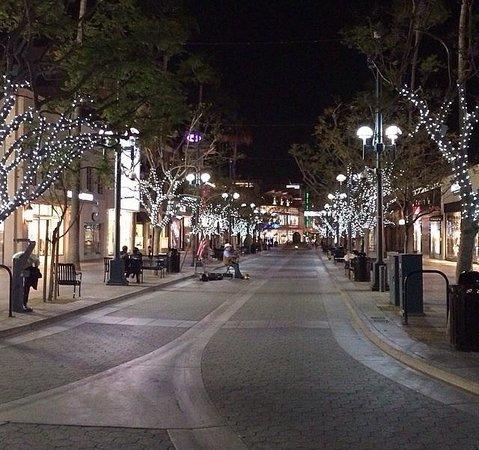 Third Street Promenade : Noite na promenade