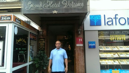 Grand Hotel Voltaire: Just arriving in Paris. I'm trying to blend in.
