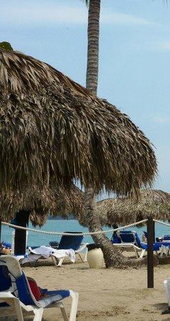 BlueBay Villas Doradas Adults Only: beach huts