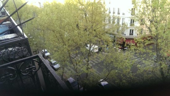 Grand Hotel Voltaire: The view from the 5th floor. I kept my window open each night to let the sounds of Paris in. The