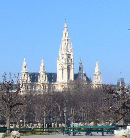 Rathaus as seen from Volksgarten