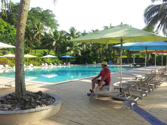 Holiday Inn Resort Vanuatu: Main pool area with toys for kids / fountains