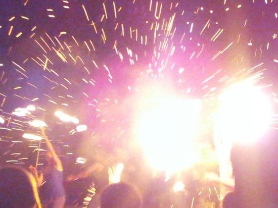 Holiday Inn Resort Vanuatu: fire twirling entertainment amazing