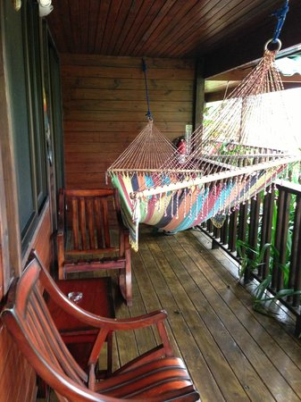 Blue River Resort & Hot Springs: hammock with all suites