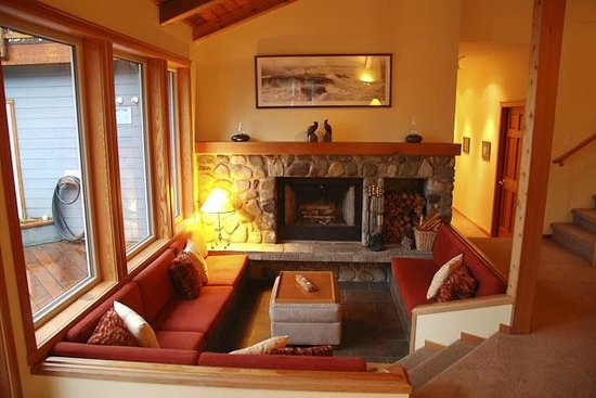 A Snug Harbour Inn: Fireplace in the Great Room