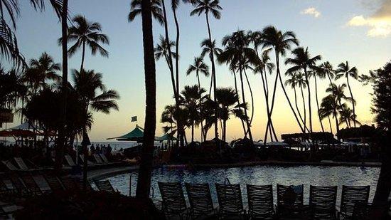 Hilton Hawaiian Village Waikiki Beach Resort : amazing sunsets