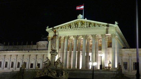 Parliament Building: Parliament - Greek style architecture