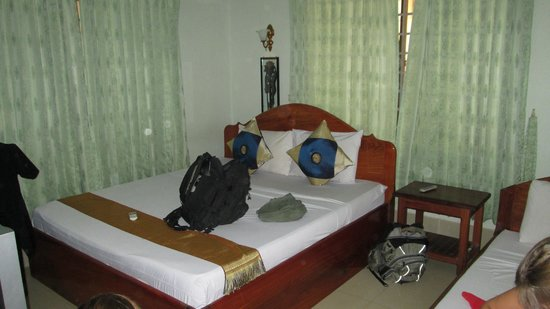 Tropical Breeze Guest House : Room