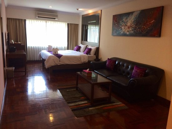 Triple 8 Inn Silom: room