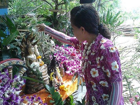 Su-ngai Kolok, Tailandia: songkran, blessing the buddha