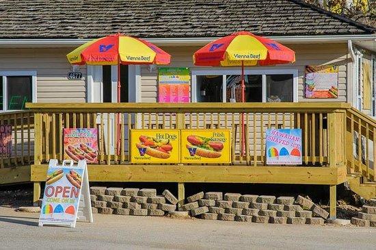 Woody's Island: Best hot dogs in Branson