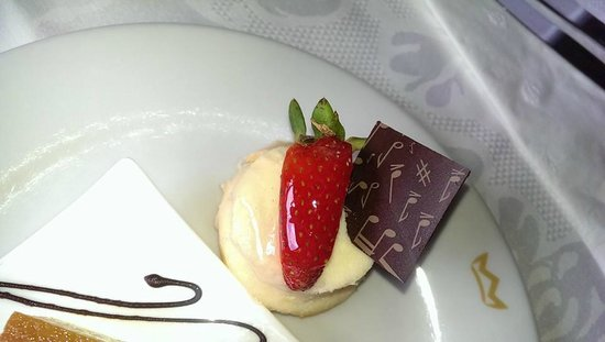 Hotel Riu Palace Las Americas : Close up of dessert