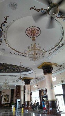 Hotel Riu Palace Las Americas: Lobby ceiling
