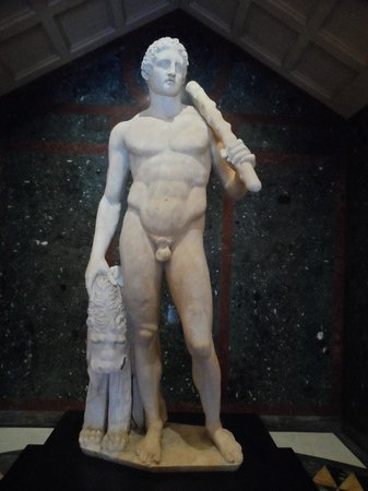 The Getty Villa: Larger than life scuptures