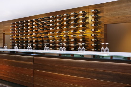 Oakvale Wines : Wow! What a great wall!