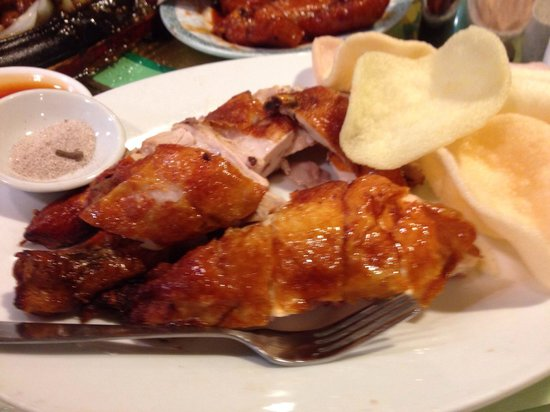 Lucky Seafood Restaurant: Roast chicken - popular dish for most people