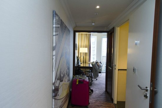Berlin Marriott Hotel : Entryway