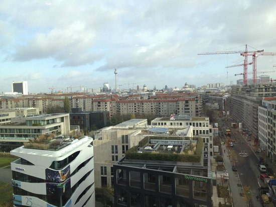 Berlin Marriott Hotel: View from Concierge Lounge