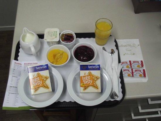 Arena Court Motor Lodge : Breakfast