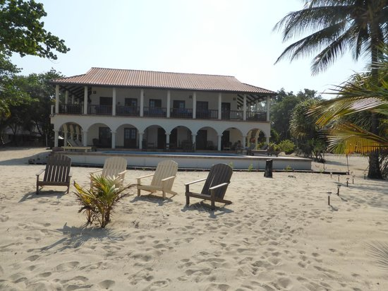 Mariposa Beach Suites : From the beach!