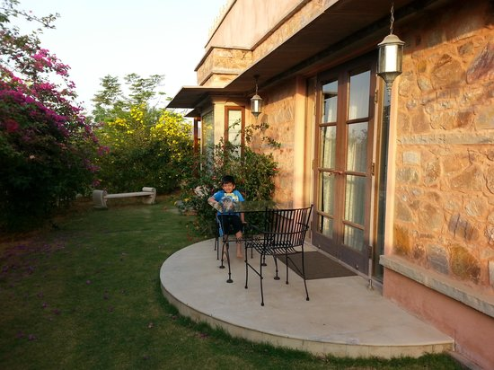 Tree of Life Resort & Spa Jaipur : Back lawns