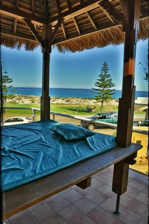 Beach Manor Bed and Breakfast Perth : view from balinese day bed