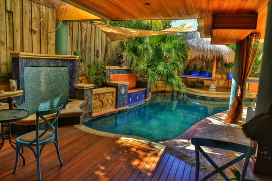 Beach Manor Bed and Breakfast Perth : the divine mineral pool