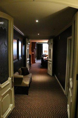 Hotel Julien Dubuque : Entry hallway