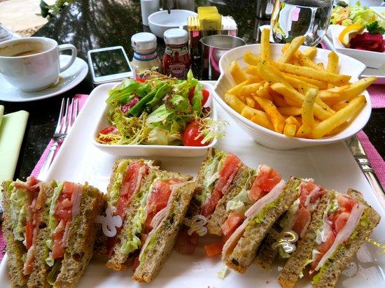 Wynn Macau : Lunch at Cafe Esplanada