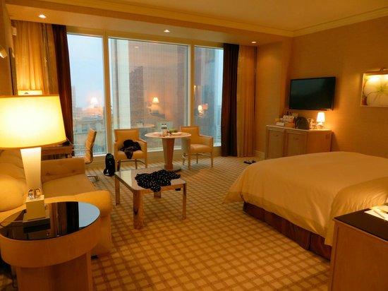 Wynn Macau : Room on the 20th floor facing the MGM