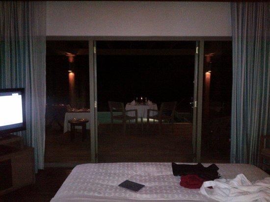 Sheraton Maldives Full Moon Resort & Spa : ocean-view villa (no direct access to beach)