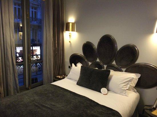 Hotel Lumen : Rummet mot stora vägen