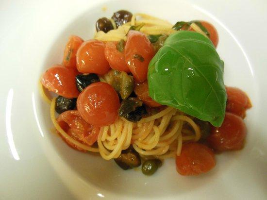 Ristorante da Buso : Pasta pomodorini capperi e olive taggiasche