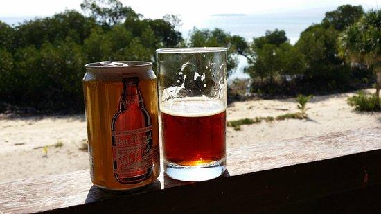 Dos Palmas Island Resort & Spa: 部屋のバルコニーからサンセットを見ながらのビール