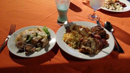 Dos Palmas Island Resort & Spa: ビュッフェスタイルの夕食をチョイス