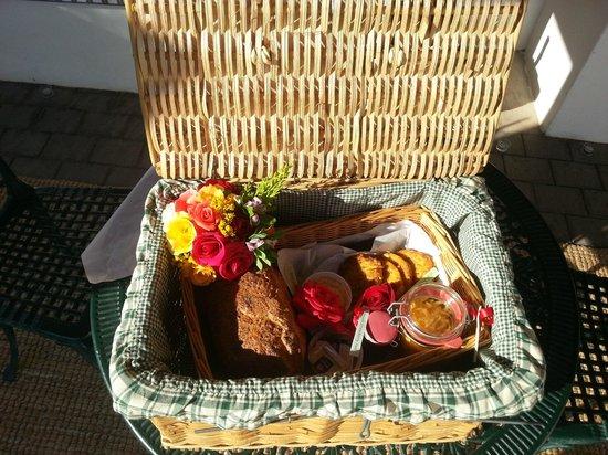 Orange Grove Farm: Breakfast Basket