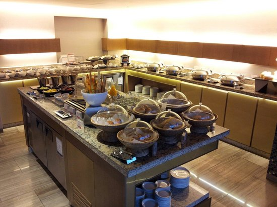 Sheraton Seoul D Cube City Hotel: Club Breakfast
