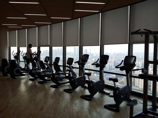 Sheraton Seoul D Cube City Hotel: Small part of the gym