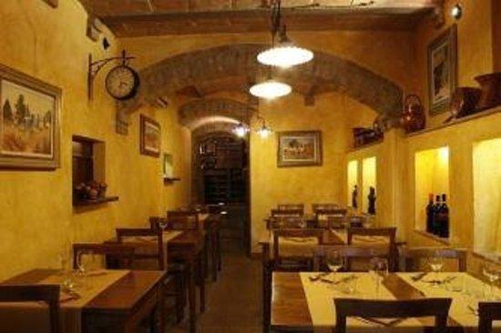 Osteria il Pozzo di Chiusure: L'interno del ristorante...