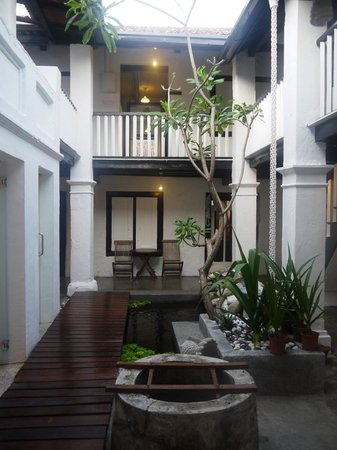 Layang Layang Guest House: The garden