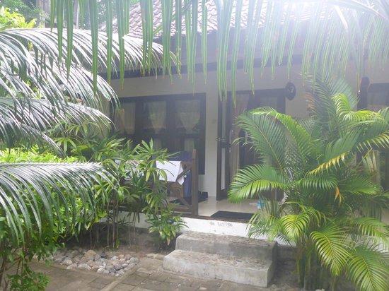 Manta Dive Gili Air Resort: Terrasse