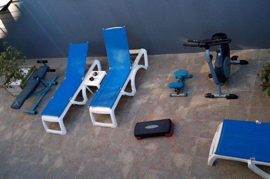 Mercure Atenea Aventura : Sala de fitness =/