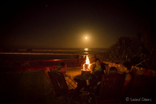Jeffreys Bay Beach House: Moonlit evenings