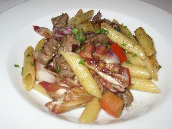 Mezzaluna : Penne with black pork