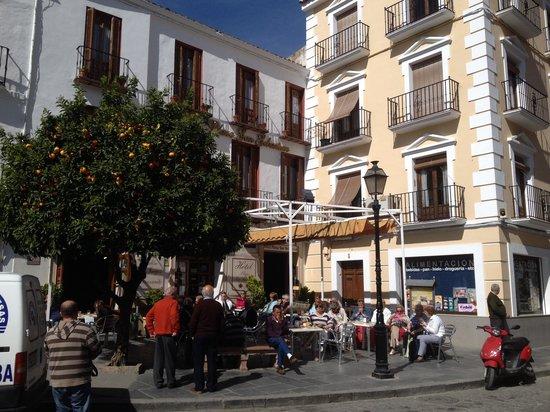 Hotel Plaza San Sebastian: Hotel Front .