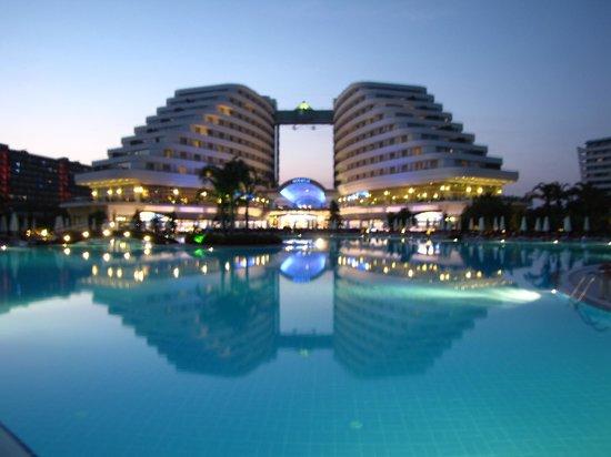Miracle Resort Hotel: Вечерний Миракл