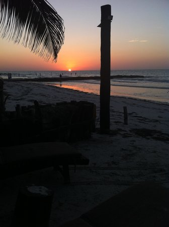 Beachfront La Palapa Hotel Adult Oriented: tramonto