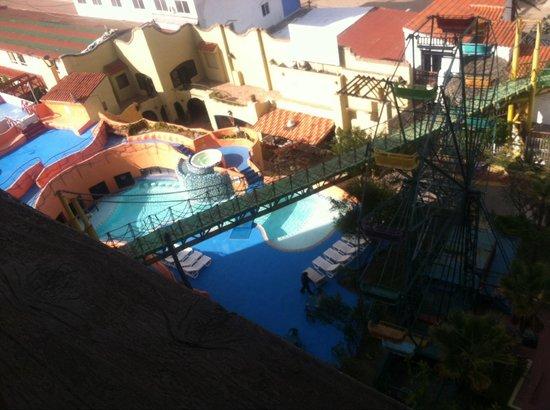 Festival Plaza Hotel: Hotel pool!